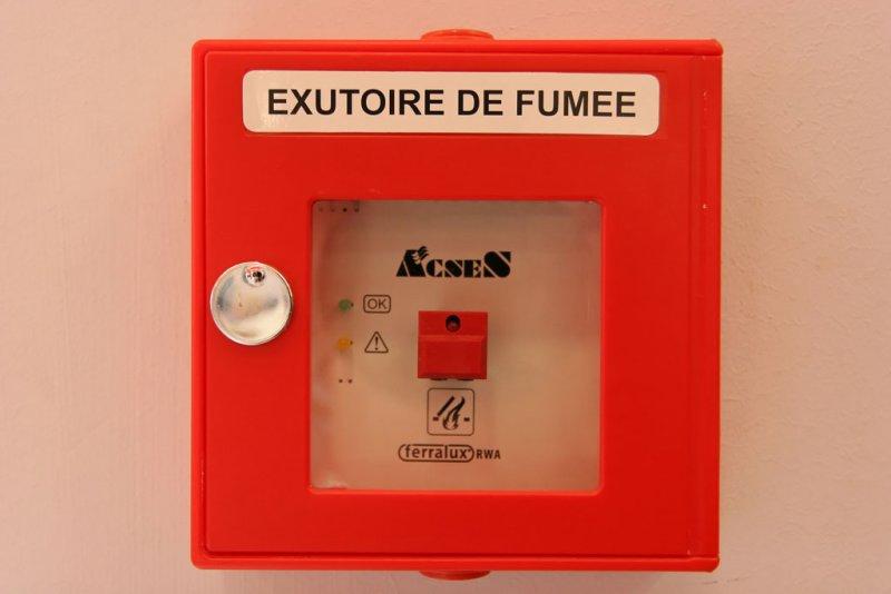 Clin doeil à nos amis belges : un exutoire de fumée....