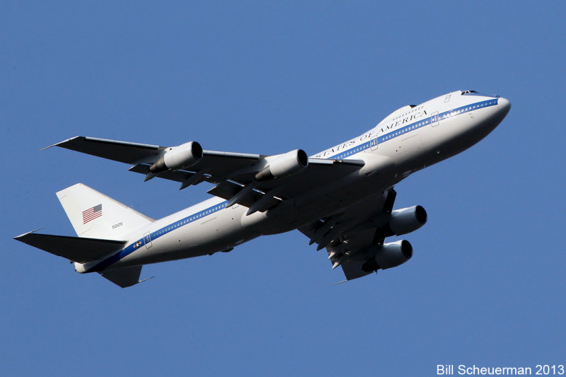 Boeing E-4B fly over