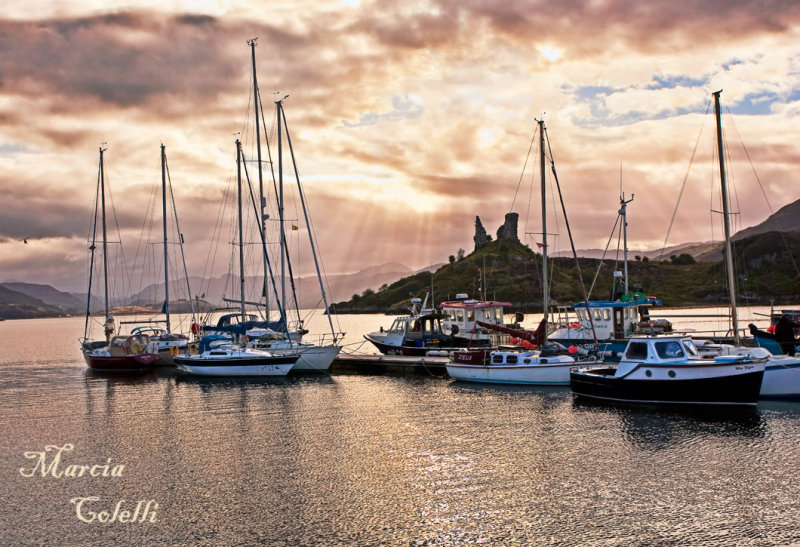 KYLEAKIN HARBOR AND CASTLE MOIL AT SUNRISE_7573.jpg