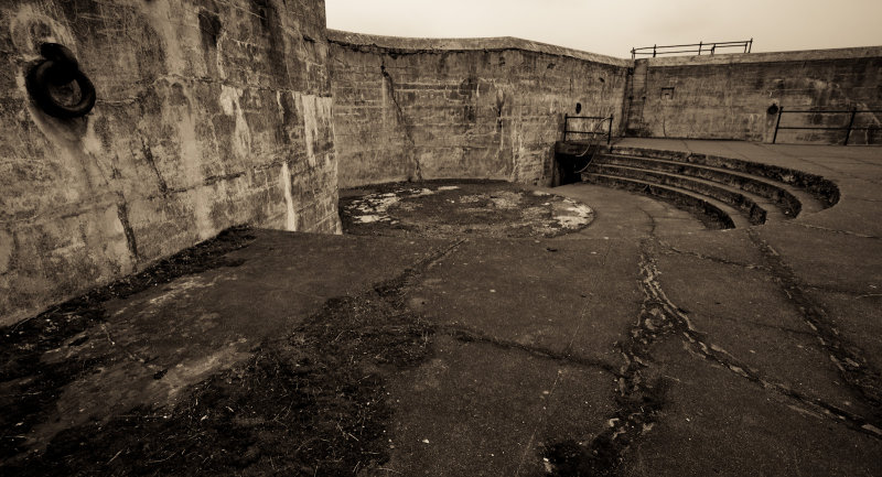 Gun Emplacement, Abandoned <br> (FortCasey_011413-40-2.jpg)