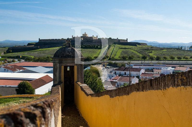Meio Baluarte de São Domingos e Forte de Santa Luzia