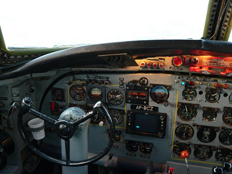 Captains Controls - 982.jpg