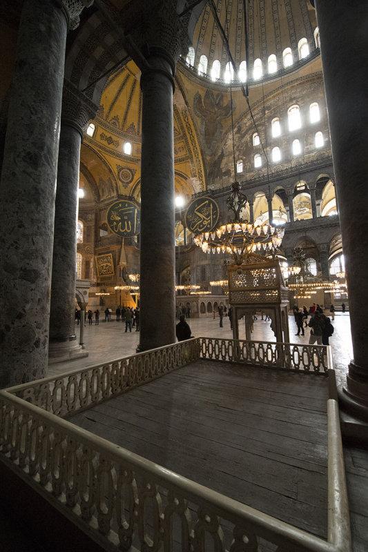 Istanbul Haghia Sophia december 2012 5983.jpg
