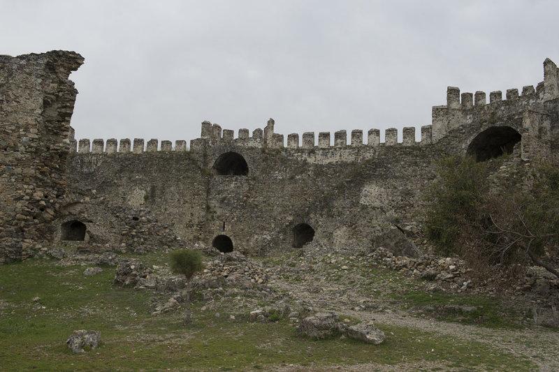 Anamur Castle March 2013 8578.jpg