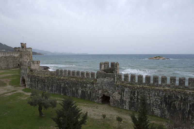 Anamur Castle March 2013 8600.jpg