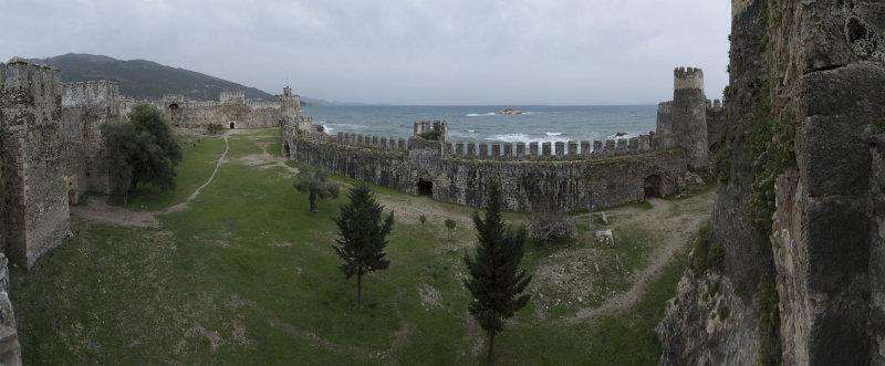 Anamur Castle March 2013 8609 Panorama.jpg