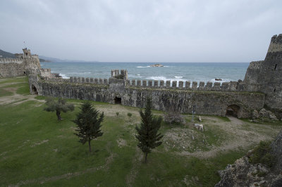 Anamur Castle March 2013 8613.jpg