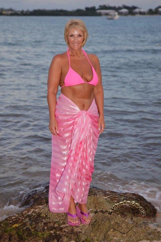 26 pink bikini nov 16 2012.jpg