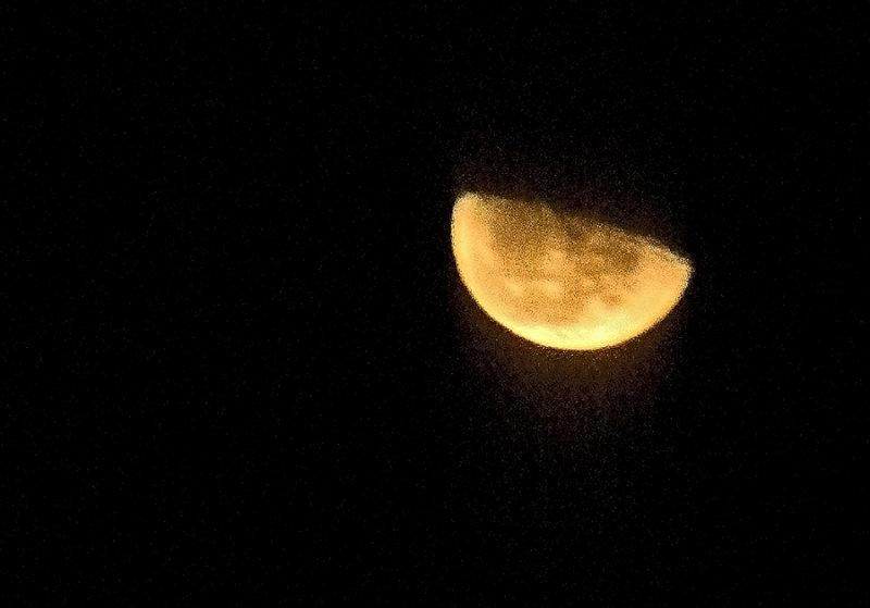 Moonrise in Utah winter inversion