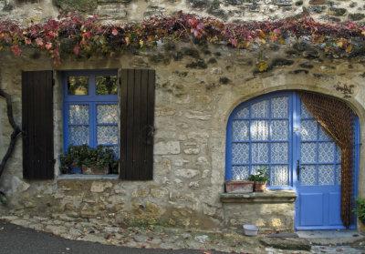 la maison aux fenêtres bleues