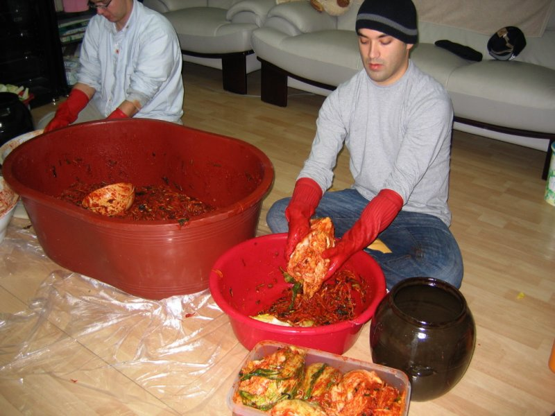 4Making Kimchi at Yuns Dec10th 2005 027.jpg