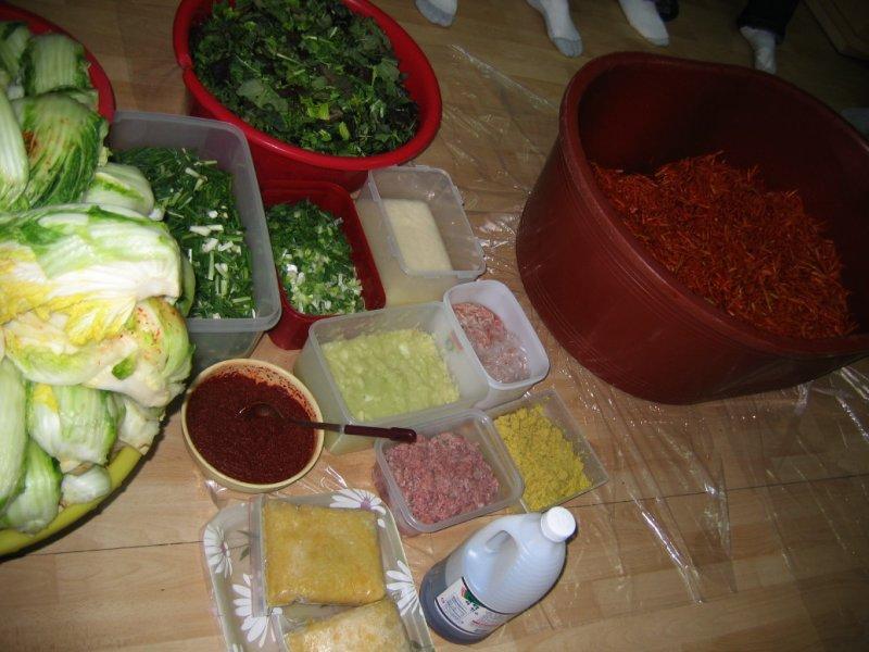 Making Kimchi at Yuns Dec10th 2005 020.jpg