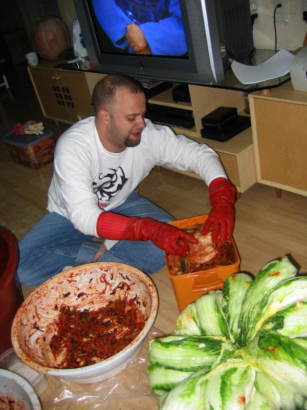 Making Kimchi at Yuns Dec10th 2005 029.jpg