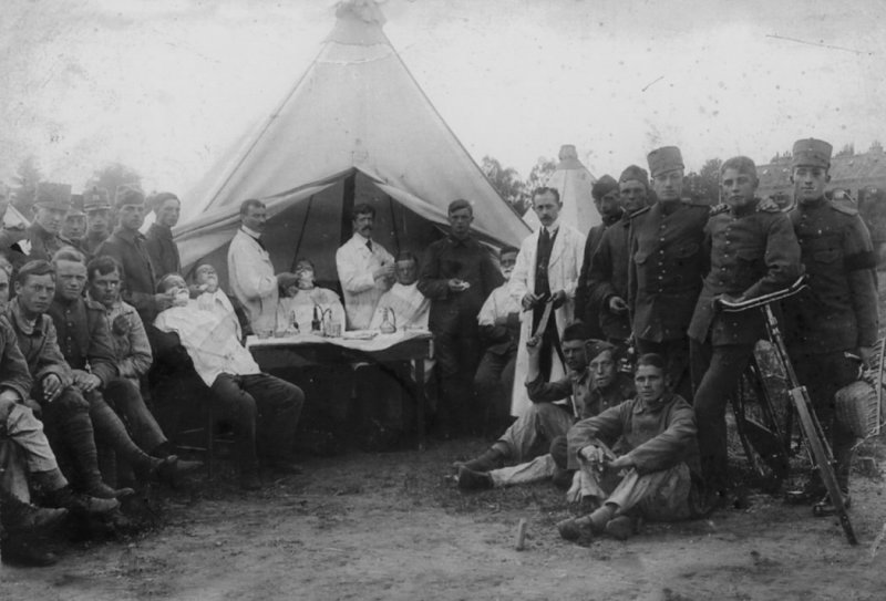 Jacques Bosmans eldest brother of Antoon cutting hair in army camp 1913