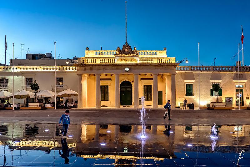 Main Guard and Palace Square