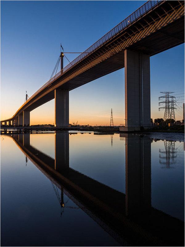 Westgate Bridge At Sunrise