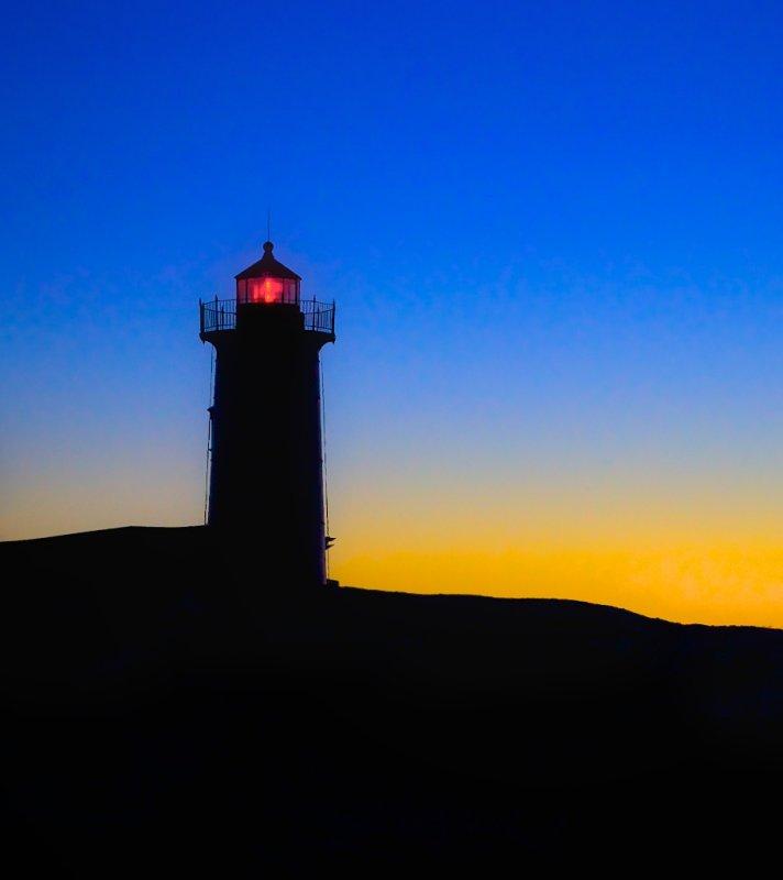 Nubble light at sunrise