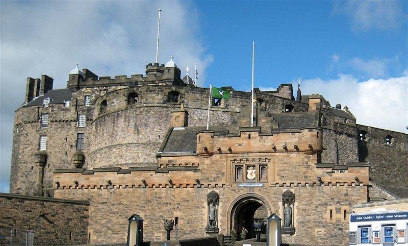 117 Edinburgh Castle J.jpg