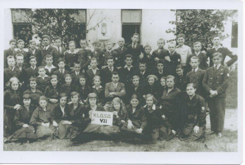 a Rohatyn school photo from 1936...