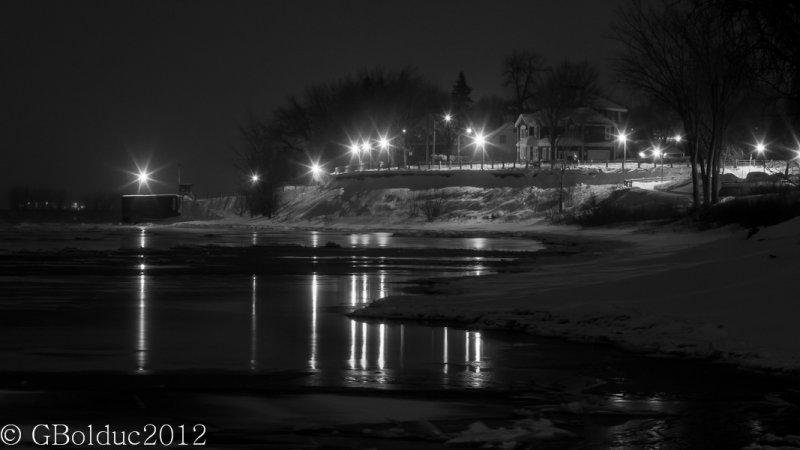 Bord de leau en hiver_Winter river side