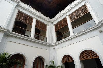 DSC 31640 dupliex hotel.JPG
