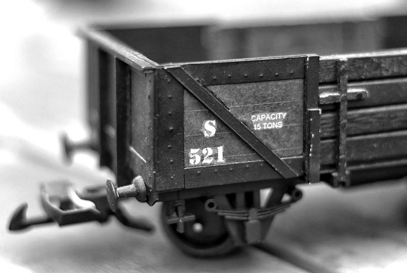 rail truck w.jpg