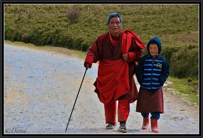Walking along Phobjika Road. (Central Bhutan).