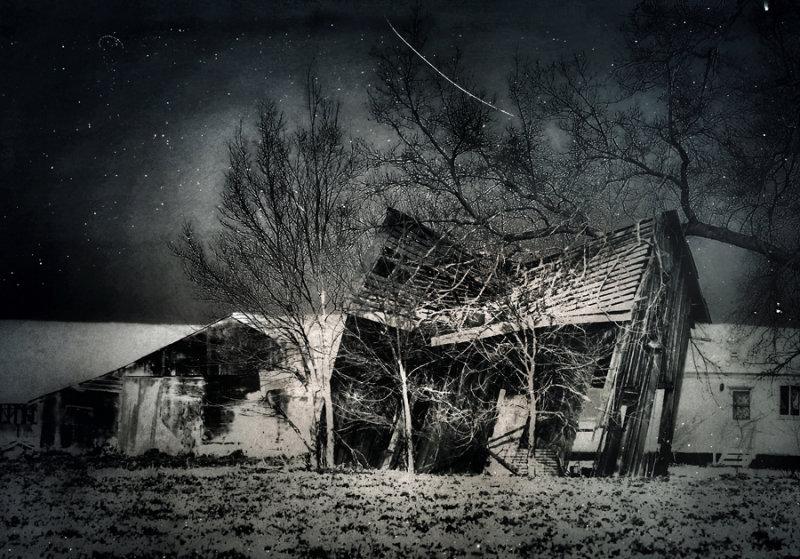 Italicized old barn