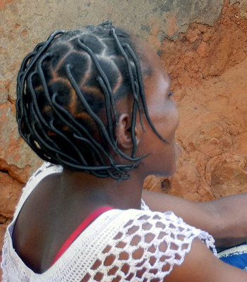 Hairstyle designed with the help of wool and wires, Burkina Faso