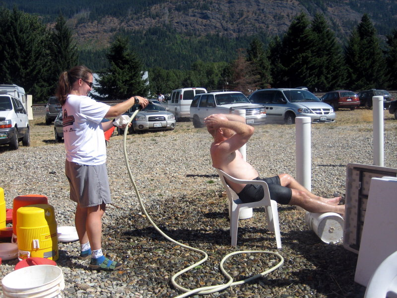 wife hoses husband with great satisfaction