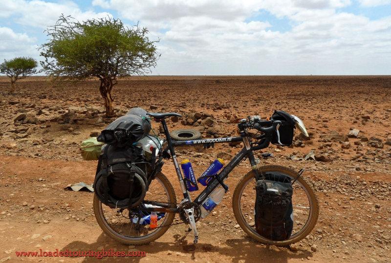 421    Robert touring Kenya - Koga Miyata Signature 26 touring bike