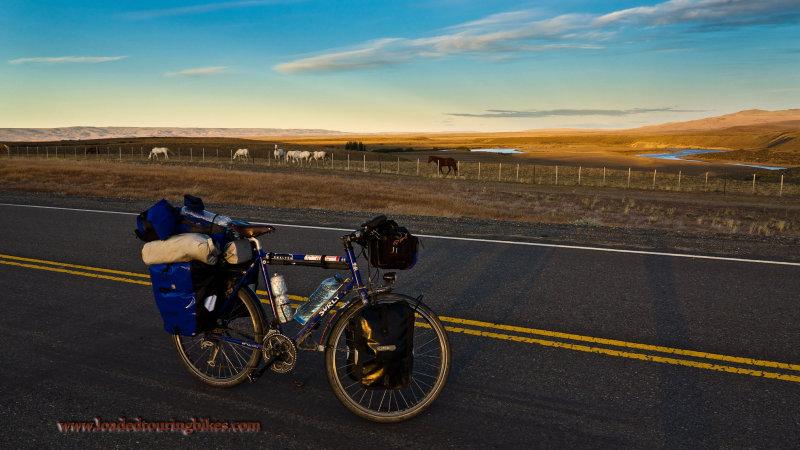 428    Artur touring Argentina - Surly Long Haul Trucker touring bike