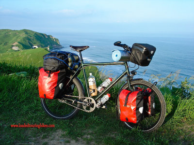 390    Paul touring Japan - Tout Terrain Silkroad touring bike