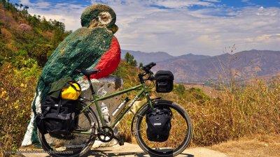 392    Micheal touring Guatemala - Surly Troll touring bike