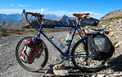 416    John touring France - Roberts Roughstuff touring bike