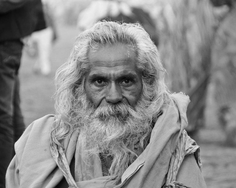 Sadhu 41a bw.jpg