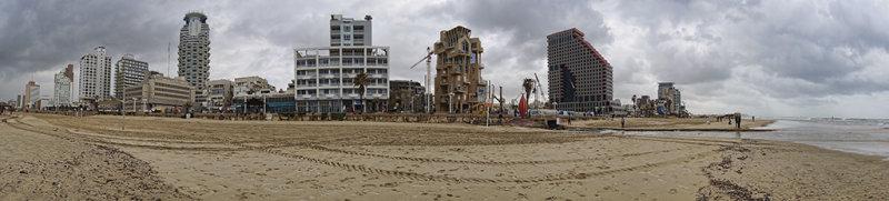 Panorama of Tel Aviv Beach.jpg