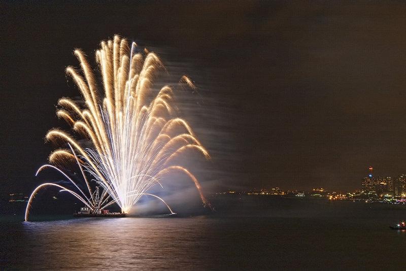 Tel Aviv Fireworks 3