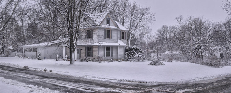 7th and Clay Street House in Snow (Color)