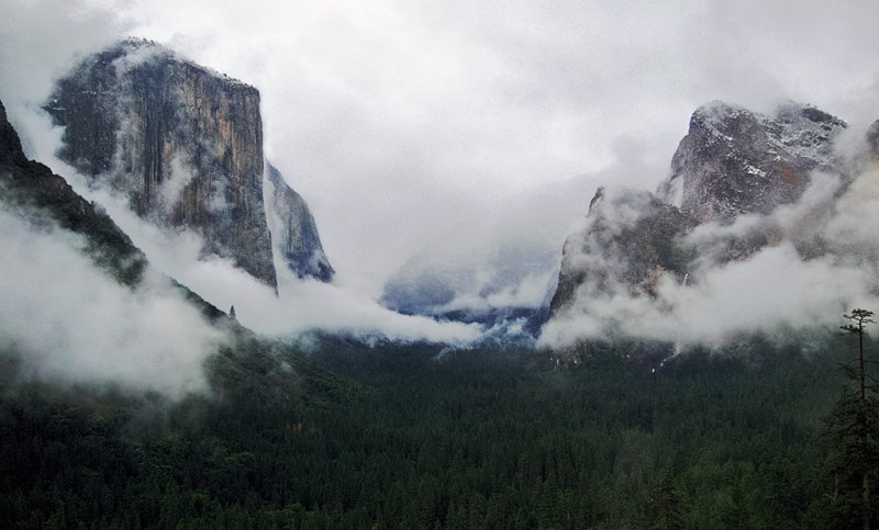 Back at Tunnel View area.  6:09 pm  Not quite clearing!  #4489