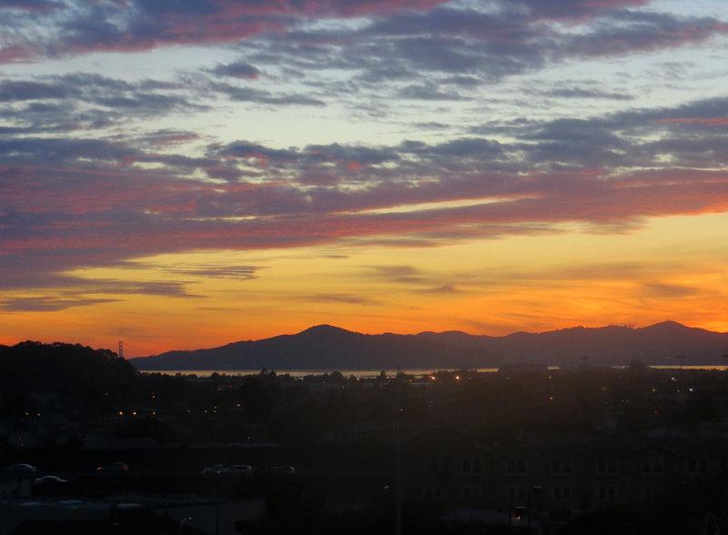 Sunset. Golden Gate Bridge. Day 3. 100mm-equiv, iso100, w/ Superfine mode. 0279r