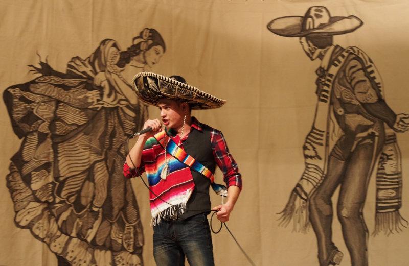 ein saenger des mexicanischen lieds P2230034.jpg
