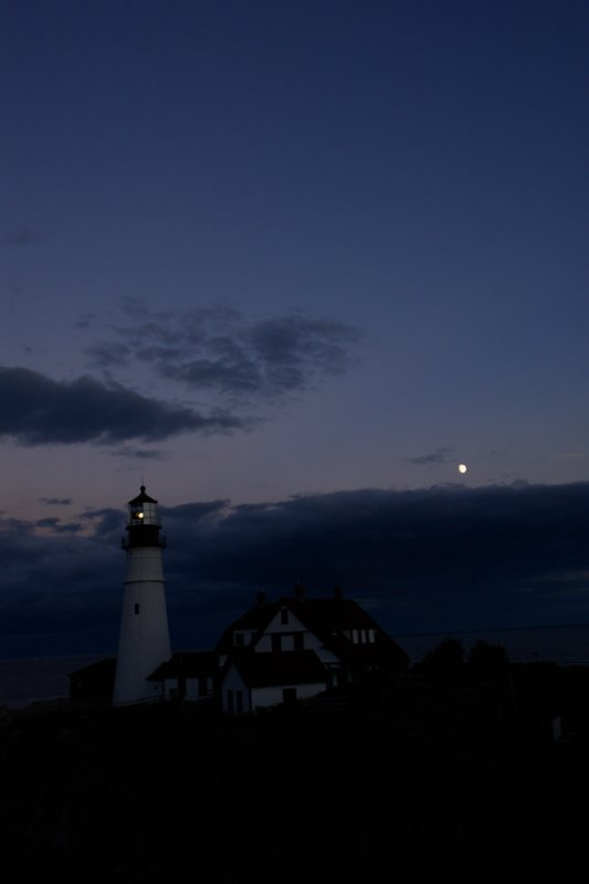 DSC00094.jpg PORTLAND HEAD LIGHT ... donald verger... see this series mostly from one night