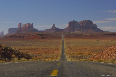 Monument Valley road view
