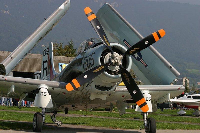 Douglas AD-4N Skyraider F-AZDP