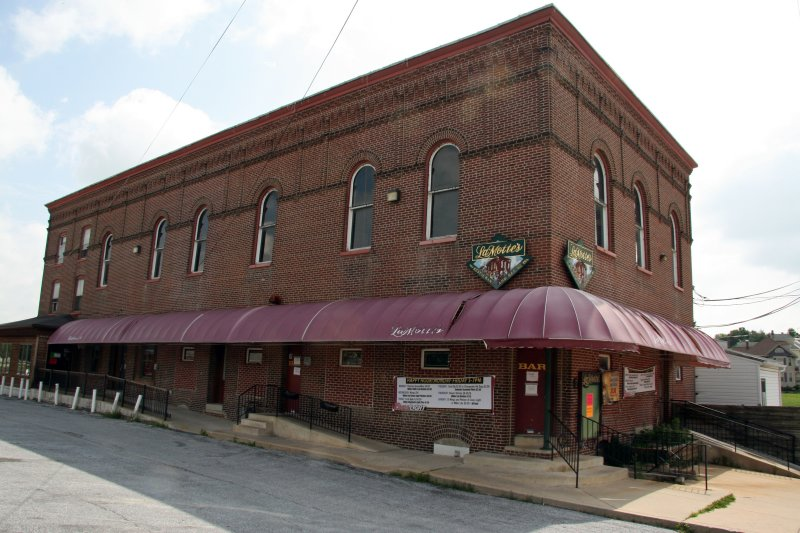 LaMottes Restaurant and Bar