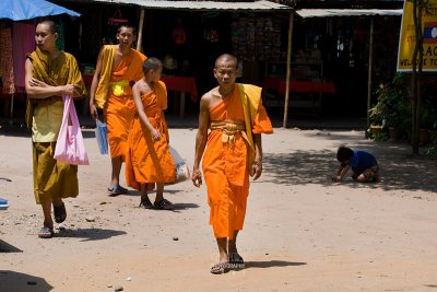Monks and novices at the Golden Triangle