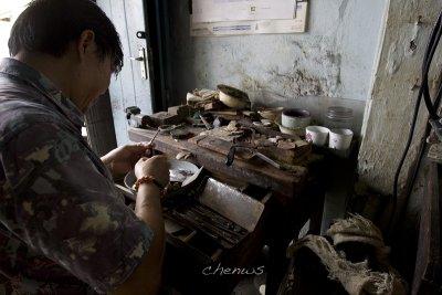 Jewelry maker (silver) (7056)