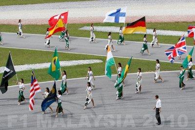 RACE DAY: Start ceremony