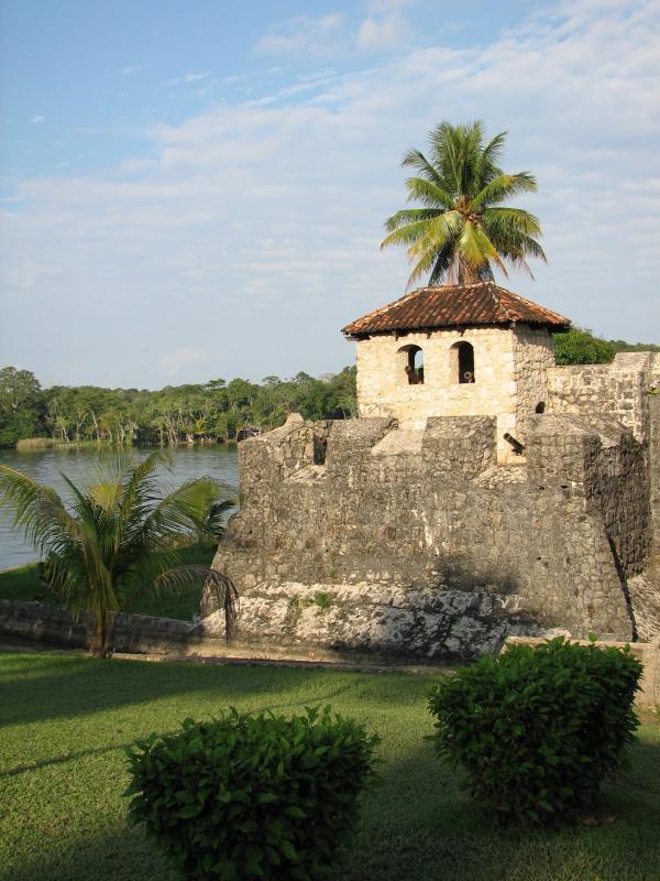 El Castillo de San Felipe, Rio Dulce